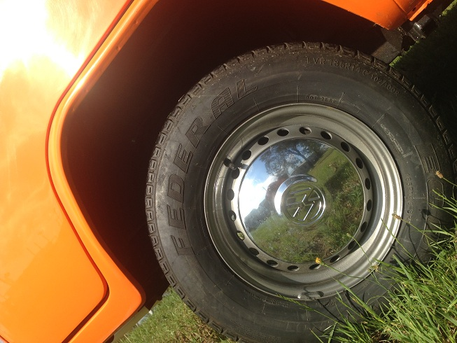 VW Kombi 1977 Orange Crush Wheels
